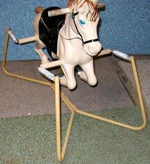 Spring Horse B2626