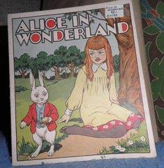Book - Alice In Wonderland B4793