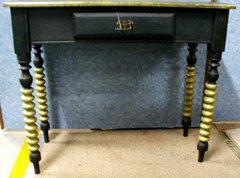 Couch Table, Black with Gold Trim Y110