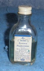 Bottle Purtest Essence Peppermint B5074
