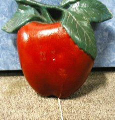 Apple String Holder - Chalk B2248