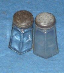 Salt and Pepper Shakers B3087
