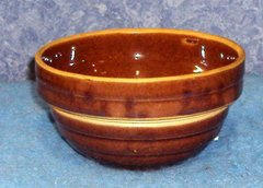 Bowl, Small Brown F142