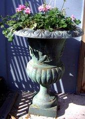 Iron Flower Stand DD133