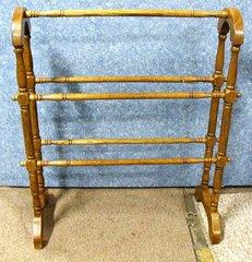Quilt Rack, Arched, Oak Y636