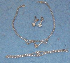 Jewelry Set - Necklace - Earrings - Bracelet - Crystals B3406