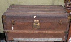 Vintage/Antique Square Trunk B2030