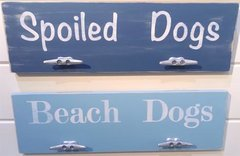 8x24 Pet Phrase w/ Leash Hangers