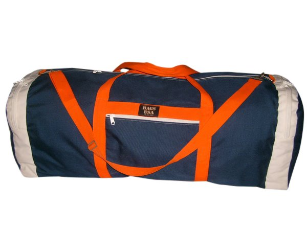 Ex large bag with straight opening and two end compartment.