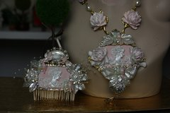 612  Hair Comb Art Nouveau Hand Painted Pale Pink Pealish Crystal