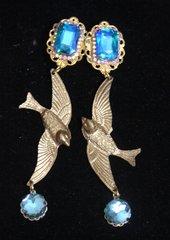2298 Irregular Massive Gold Birds Crystal Studs