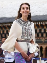 884 Runway Designer Inspired Embroidered 2 Colors Poncho