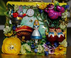 SOLD! 1178 Alice In Wonderland 3D Effect Embellished Handbag Purse