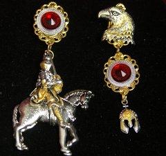 2469 Irregular Eagle Knight Earrings