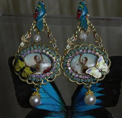 1087 Cameo Victorian Venus Enamel Parrot Earrings