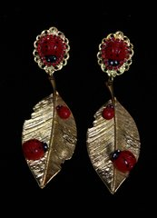 1919 Ladybug Metal Leaf Massive Studs Earrings