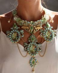 1091 Birth Of Venus Green Baroque Fish Necklace SET