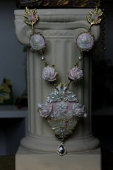 SOLD!  SET608 Victorian Cameo Pearlish Pale Pink Statement Necklace