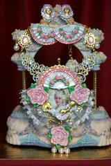 2164 Set Of Marie Antoinette Hand Painted Pale Blue Ponk Fan Necklace+ Earrings
