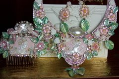 2138 Set Of Victorian Hand Painted Pale Pink Green Necklace+ Earrings