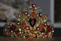 SOLD!344 Baroque Designer Inspired Red Crystal Hearts Metal Head Piece Crown