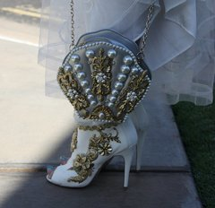 SOLD!Total Baroque Vintage Style 3D Effect Pearl Shell Eye-Catch Purse