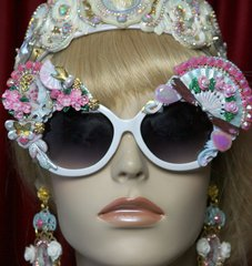 2032 Marie Antoinette Cameo Hand Painted Fan Sunglasses