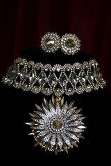 1840 Byzantine Crystal Sun Choker Set