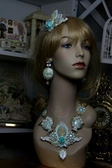 604  SET Victorian Cameo Pearlish Mint Goddess Statement Necklace