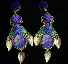 2007 Hydrangea Leaf Stunning Victorian Earrings Studs