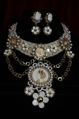 1641 Madam Coco Charms Daisy White Necklace SET