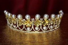2205 Baroque Bridal Pearl Metal Flower Tiara Crown