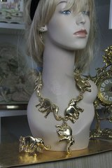 572  Set Chunky Gold Elephant Necklace + Cuff