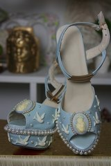 1291 Victorian Cameo Light Pink Pearl Bird Embellished Shoes Size 10