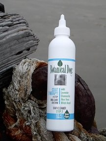Botanical Dog Coat Therapy Ear Cleaner (8 oz)