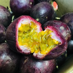 Purple Passion Fruits 7 pcs紫色百香果7颗