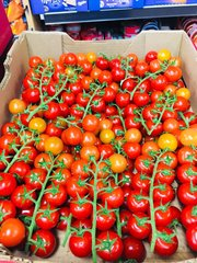 Local Cherry Tomatoes on the Vine 11lbs Box 【畅销品】本地带枝樱桃西红柿11磅箱