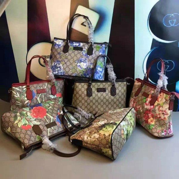 Vintage Blooms Gucci GG Supreme Top Handle Bag
