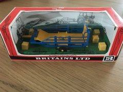 Bale Sled Trailer Straw Boxed Vintage Britains 9557