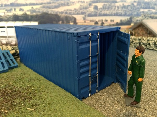 6516 Italeri 1 32 1 35 20ft Shipping Container Kit
