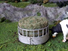 WM032A Small Metal Ring Feeder 1:32 scale by HLT Miniatures