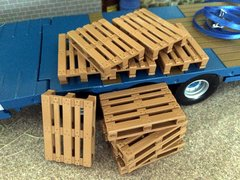 1 x Euro Pallets 1:32 Scale by Bevro.NL BECO008