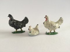 F G Taylor Sitting Hen and Crescent Cockerels/Roosters Vintage Lead Circa 1950 1:32 Scale