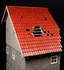 23088 560 x Roofing and Ridge Tiles Red 1:32 Scale by Juweela