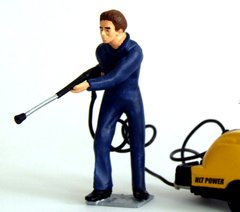 WM049 Power Washer Operator Figure by HLT 1:32 Scale