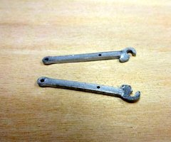 2x Linkage/Hitch Shafts 1:32 Scale by Artisan 32 20903