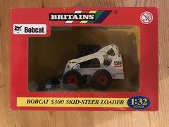 Britains Bobcat Skid-steer S300 Loader 1:32 Scale 42100