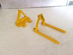 BECO015 Bevro Bale Spike Attachment Yellow 1:32 Scale