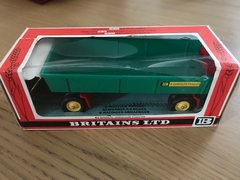 Green 8-Wheeled Trailer Straw Boxed Vintage Britains 9558