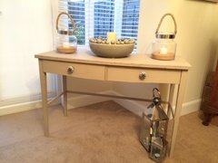 Shabby Chic Console Table in Autentico Almond